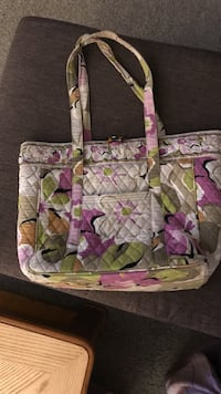 Vera Bradley computer tote: used with some wear Multiple pockets; padded laptop holder. OBO Colorado Springs, 80918