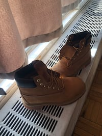 Timberland size 3. Boys. Wore  once Toronto, M4B 1A9