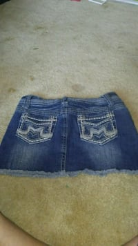Lady skinny skirts size 1 or2 Montgomery, 36108
