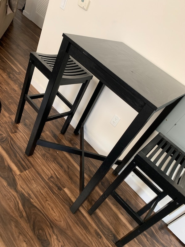 Bar Top Kitchen Table with Stools