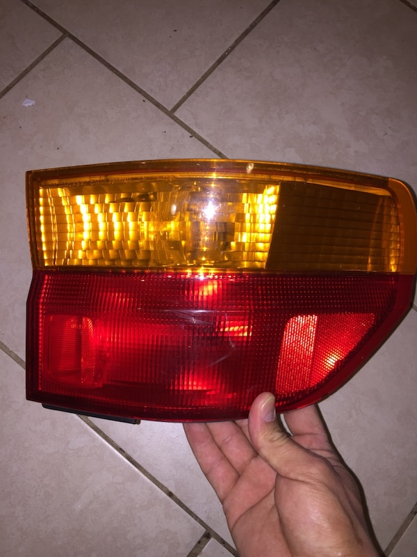 Red and black car tail lights