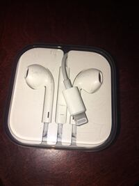 Apple earpods with case and box Laredo, 78046