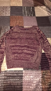 Women's dark purple and gold sweater 49 mi
