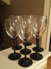 Vintage .mixed black and clear wine glasses Mississauga, L5M 7P2