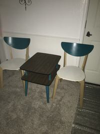 Vintage table and 2 Modern chairs Littleton, 80123
