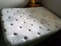 Double size mattress and boxspring Kitchener, N2C