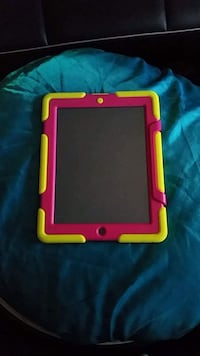 Unlocked Ipad, case and charger Winnipeg, R3T 5T6
