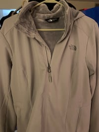 North face xl hooded and with fur inside