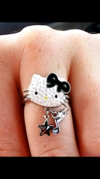 Hello kitty ring and pins - Swarovski crystal. New Manchester, 03104