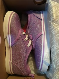 Pair of purple glittered vans low tops in box. Toddler size 9 Kansas City, 64154