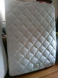quilted white and gray mattress Pittsburgh, 15217