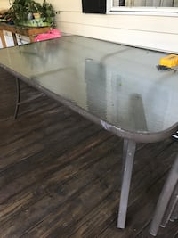 6 gray metal framed armchairs and table 507 mi