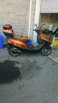 Electric bike comes with helmet,charger,lock Richmond Hill, L4E 4P3