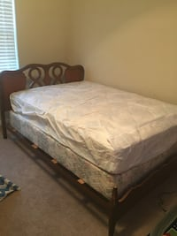 Full bed with mattress & box spring