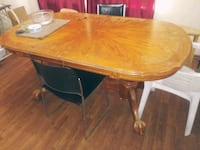 Solid wood very sturdy table Oklahoma City, 73119