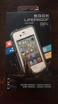 Iphone  4s  life proof case  932 mi