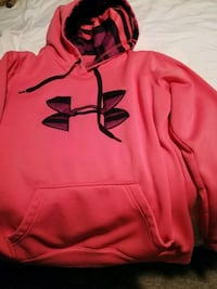 Under Armour Sweater London