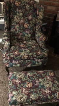 brown and green floral sofa chair Bakersfield, 93307