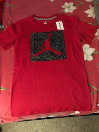 red and black Nike crew-neck shirt Manassas Park, 20111