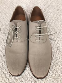 Casual shoes 9.5 (never used)  Coquitlam, V3B
