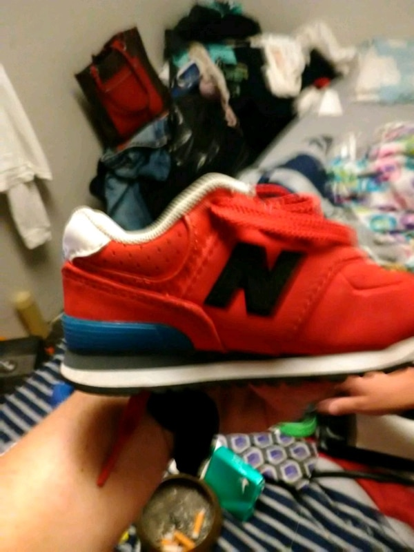 1f1ad93f525d5 Used unpaired red and black New Balance running shoe for sale in Balch  Springs