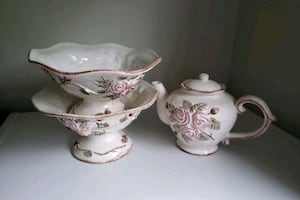 2 serving bowl and tea pot