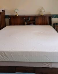 Kingsize Tempur-pedic mattress