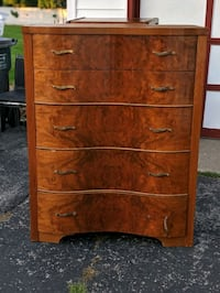 gorgeous solid wood dresser Tinley Park, 60477