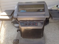 Propane BBQ grill with propane and cover Coquitlam, V3E