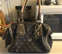 Guess purse used, looking for a good home. Feed tw Toronto, M4A 1K3