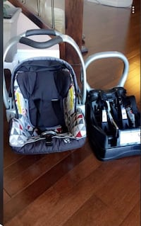 Baby's black and grey travel system