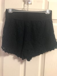 Shorts with lace detail  Toronto, M3C 1X5