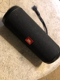Jbl4 flip Bluetooth speaker . Great condition. FIRM. 80$ . Not negotiable !  Los Angeles, 91401