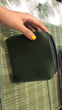 Purse/coin bag in colour Olive Burnaby, V3N 2M7