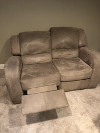 Reclining Couch and Love Seat with glider and ottoman   Pasadena, 21122
