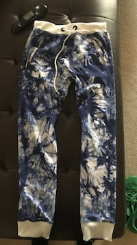 Blue and white floral joggers Glenn Dale, 20769