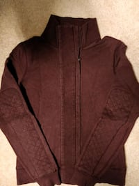 women's purple Lululemon zip up Toronto, M1H 2H1
