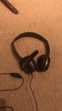 Headset with Microphone  Calgary, T2T
