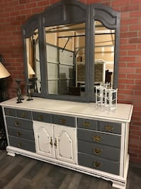 KINCAID dresser with mirror  Herndon, 20171