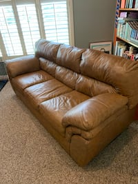 Leather couch Leesburg, 34788