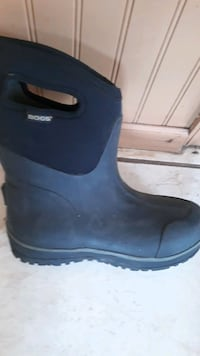 Bogs Nice warm boots 9m pull on
