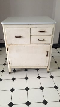 Antique 1950  Enamel cabinet Youngstown, 44515