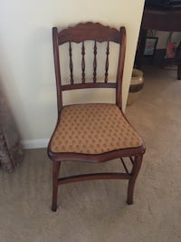 Antique cherry side chair. Excellent condition. Herndon, 20194