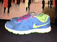 Good used condition Nikes. Women's size 9.5   Windsor, N8Y 2P4
