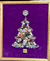 Victorian framed Christmas tree made of costume jewelry Martinsburg, 25403