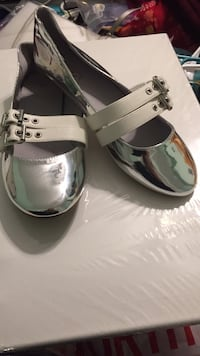 brand new silver metallic flats size 10 West Springfield