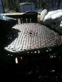Crown Royal table and 6 chairs Warrenton, 63383