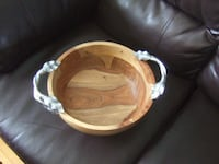 big new condition elegant wooden bowl with handle, Mississauga