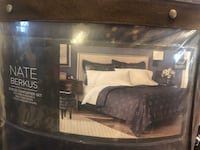 Navy blue with gold accents Full/queen Comforter set -MAKE OFFER Saint Petersburg, 33701