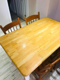 5pcs solid wood dining table set with 4 chairs Toronto, M1G 1C8